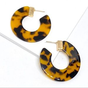 2/$25💛 ANTHRO Tortoise C Shape Hoop Earrings D40